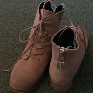 Used Steve Madden suede boots size 6.5